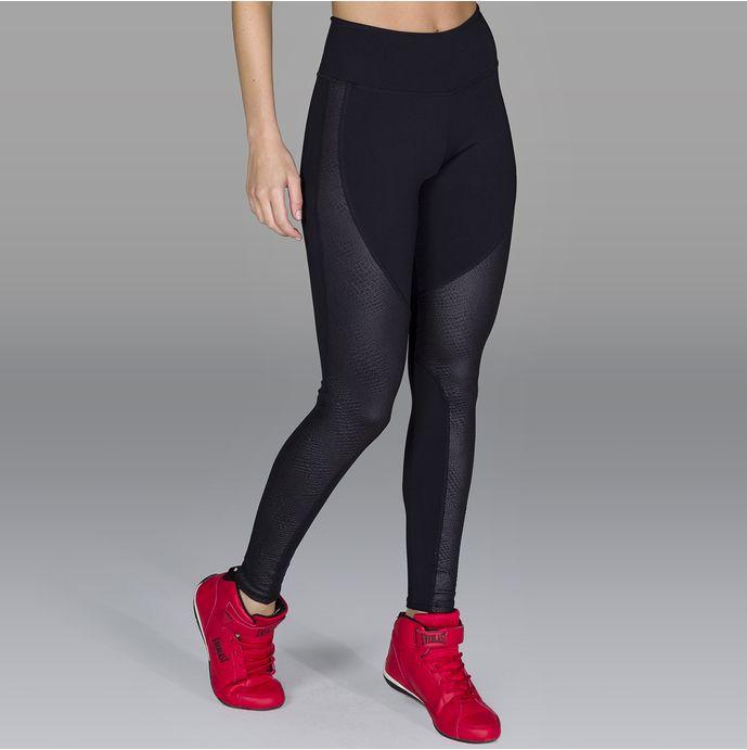 Calca-legging-recortes-em-couro-tecnologico-FT0386CA